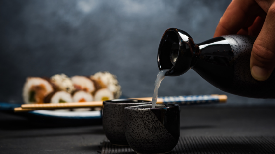 how sake is served